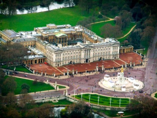 A Guide to Helicopter Tours Over London