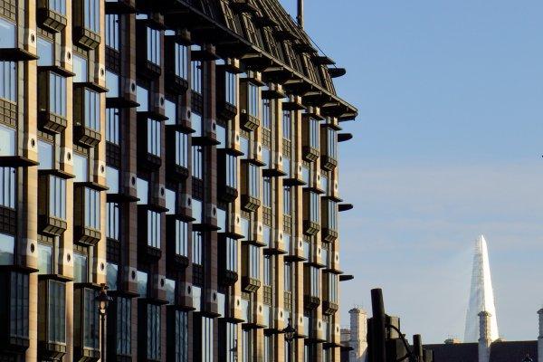 London Photo: The View THROUGH the Shard