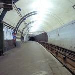 Aldwych_tube_station_platform_in_1994
