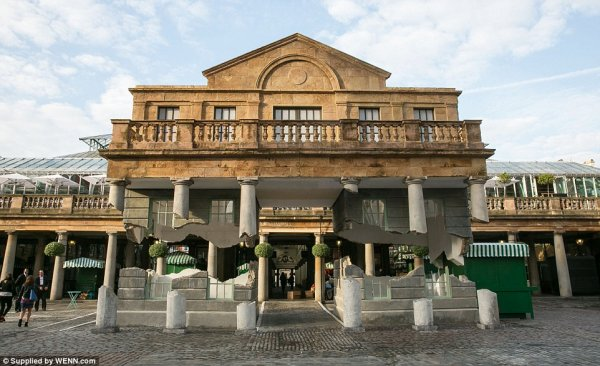 Amazing London: Stunning Optical Illusion Makes Covent Garden Appear to Lift Off