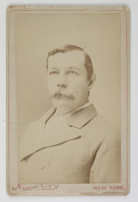 Carte de visite, 'Arthur Conan Doyle', New York, undated. © Museum of London