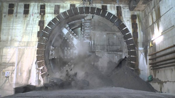 Crossrail Tunnelling Completed: Drone's eye view of Crossrail's completed rail tunnels – Video