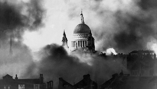 Great London Buildings: A Brief History of St. Paul's Cathedral – Risen from Fire