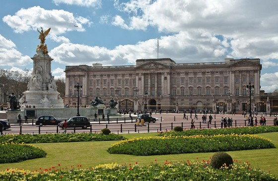 Great London Buildings – A Brief History of Buckingham Palace – The Queen's Official London Home