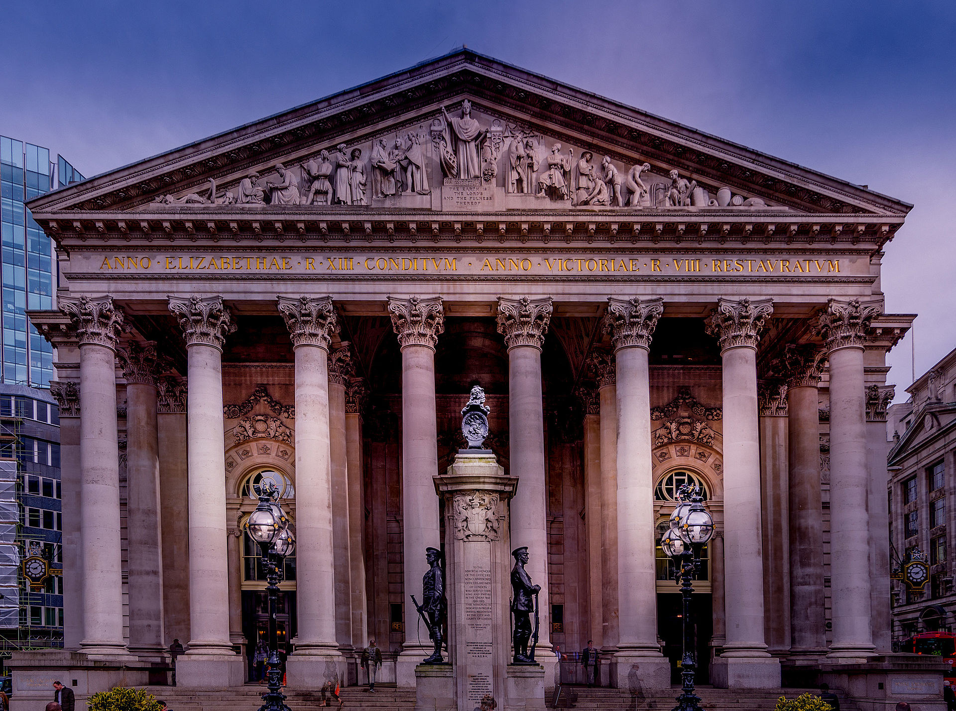 Great london buildings the royal exchange londontopia for Building londre
