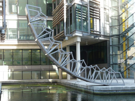 The_Rolling_Bridge_by_Thomas_Heatherwick,_Paddington_Basin2