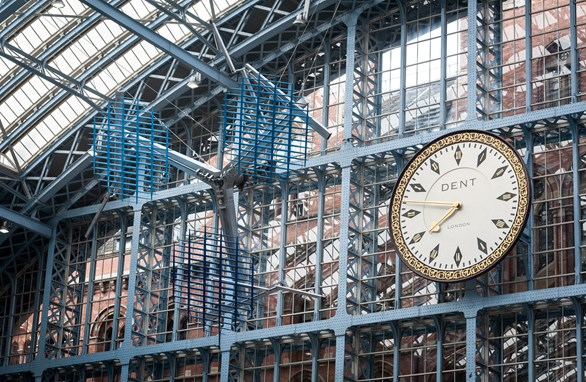London Art: St Pancras Gets Beautiful New Art Installation – The Interpretation of Movement