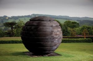 Monumental wooden art at Kew Gardens