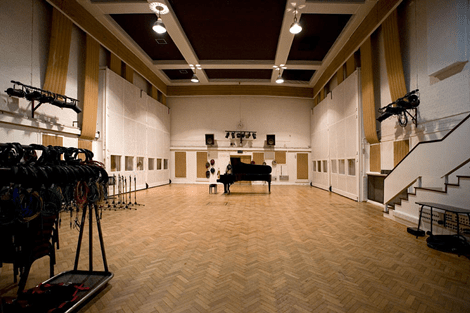 Guests at the Savoy Hotel Will Be Able to Record at Abbey Road Studios
