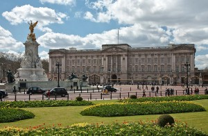 A Royal City – A Brief History of the Monarchy in London
