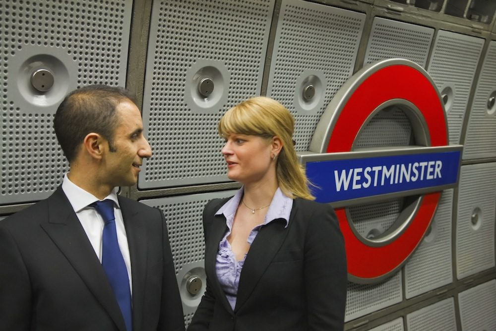 Tube roundel Visit London