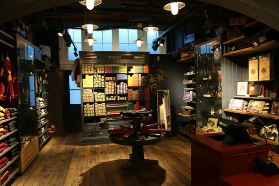 Harry+Potter_Shop+Interior