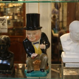 Picture: Piccadilly Arcade – Winston Churchill Statue – May 2011
