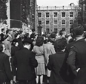 Photos: Tourist Photos from Late 1940's London