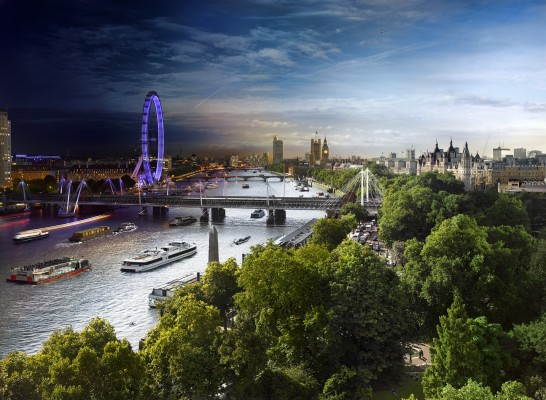 London Photo: Amazing Picture of London Blends Day and Night Beautifully and Seamlessly in One Picture