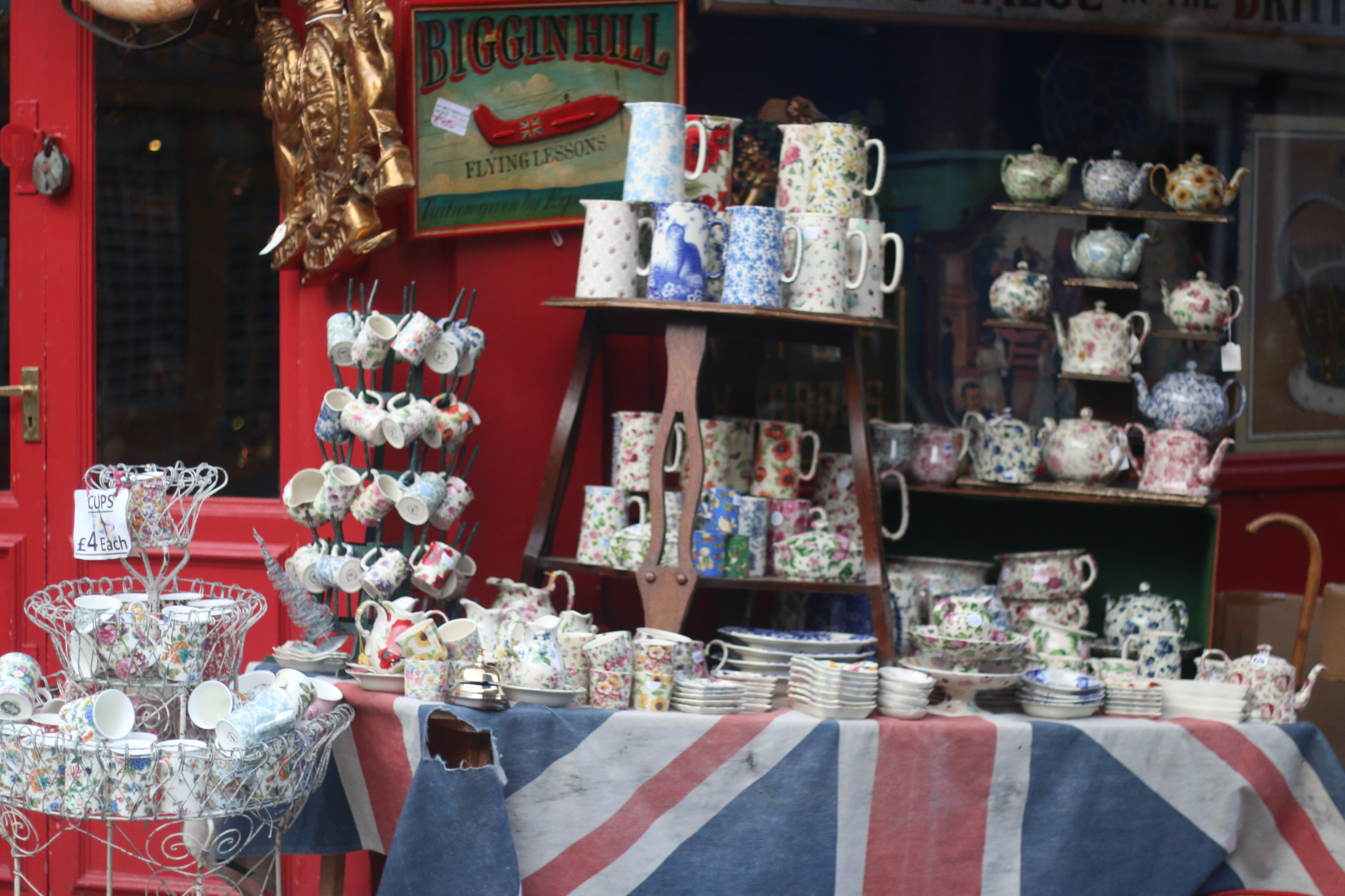 Dispatches from London: Beating the Expat Life Blues in London