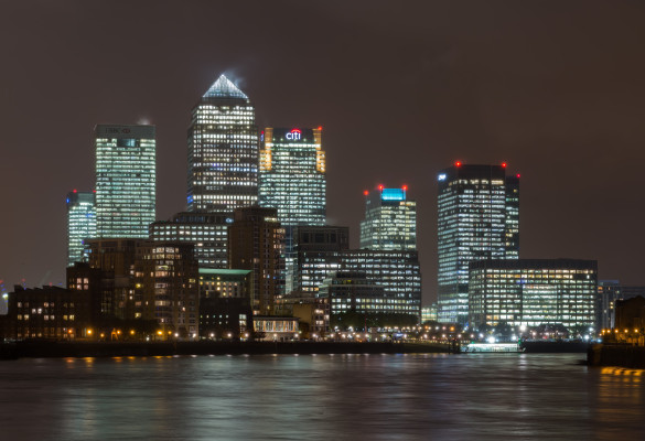 Canary_Wharf_Skyline_2,_London_UK_-_Oct_2012