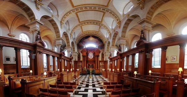 St Bride's interior