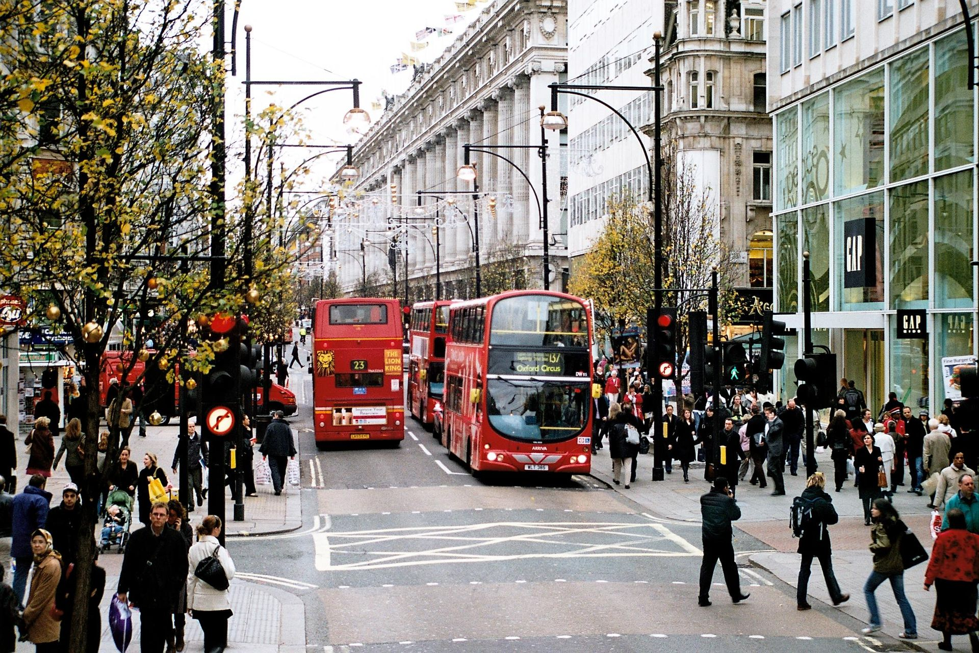 London's Shopping Street, Oxford Street, To Be Pedestrianized by 2020