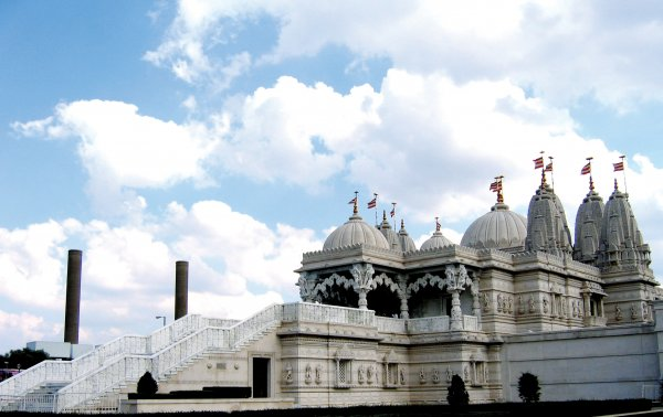 Neasden_Temple_-_Shree_Swaminarayan_Hindu_Mandir_-_Power_Plant