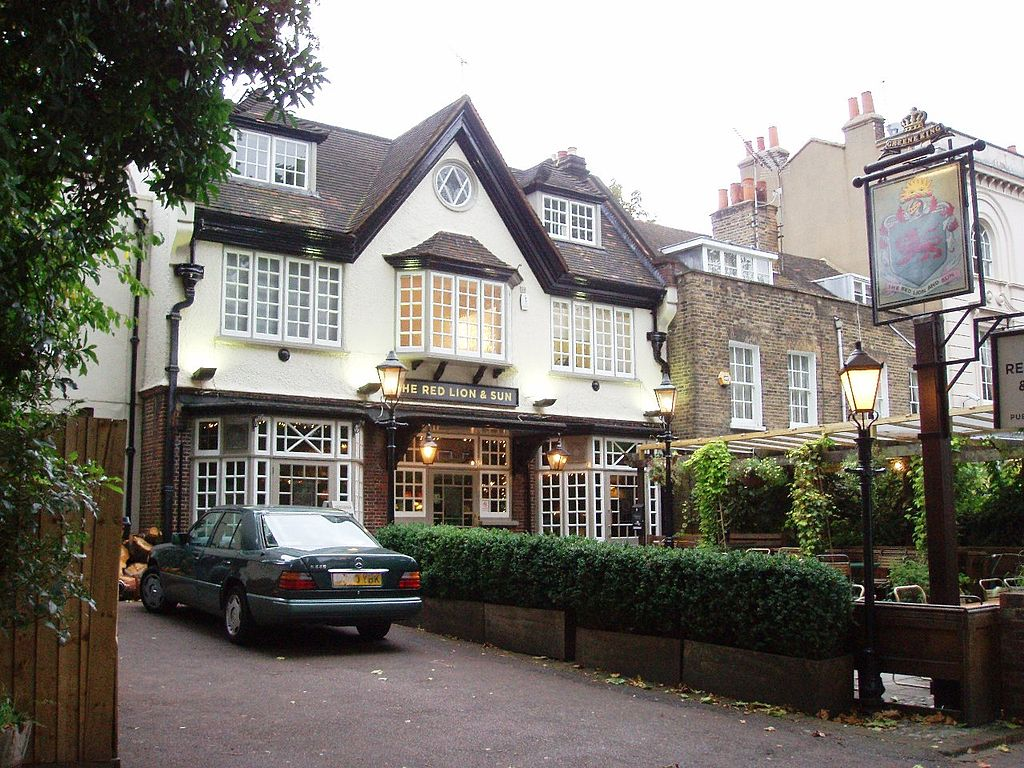 London's Most-Welcoming Pubs for Furry Patrons