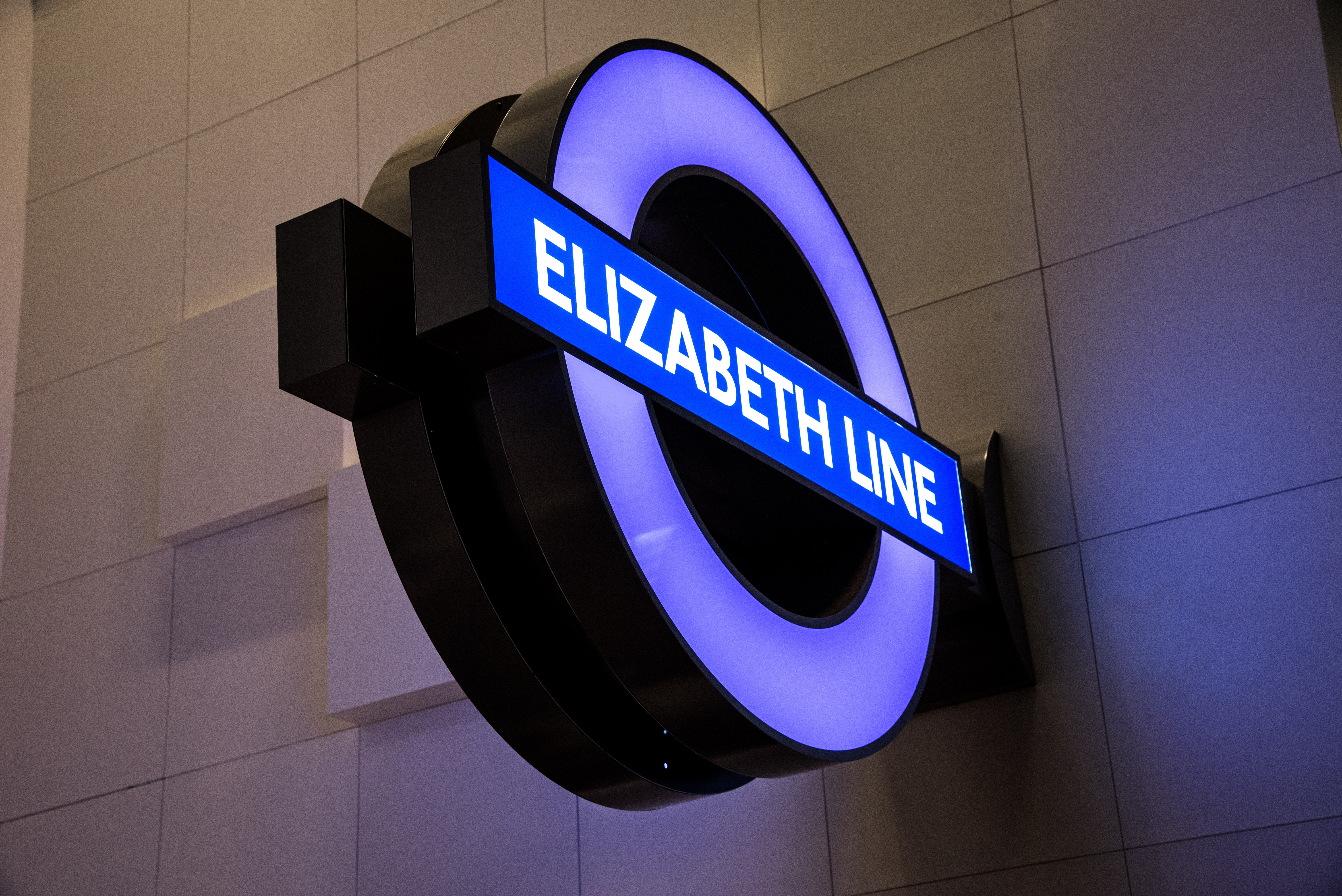 Elizabeth line roundel - London Transport Museum