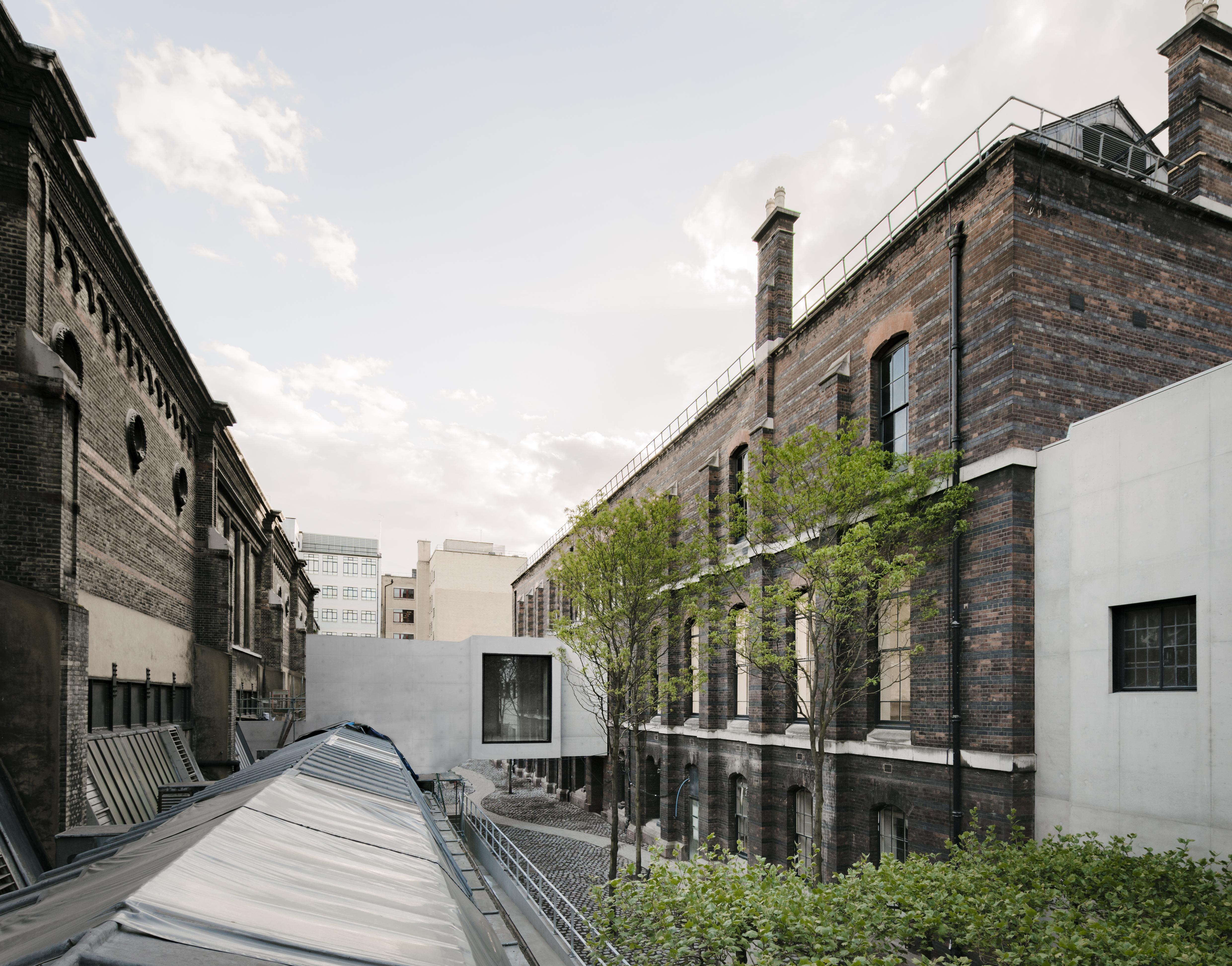 New Royal Academy - Weston Bridge and The Lovelace Courtyard