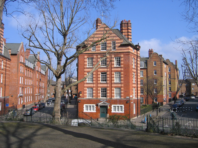 Top Ten London: 10 Fascinating and Beautiful London Housing Estates