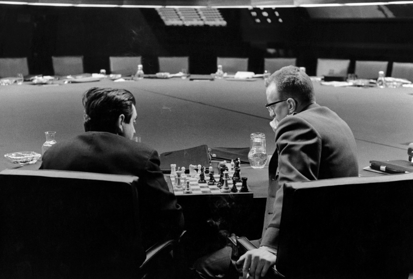Stanley Kubrick and George C. Scott playing chess