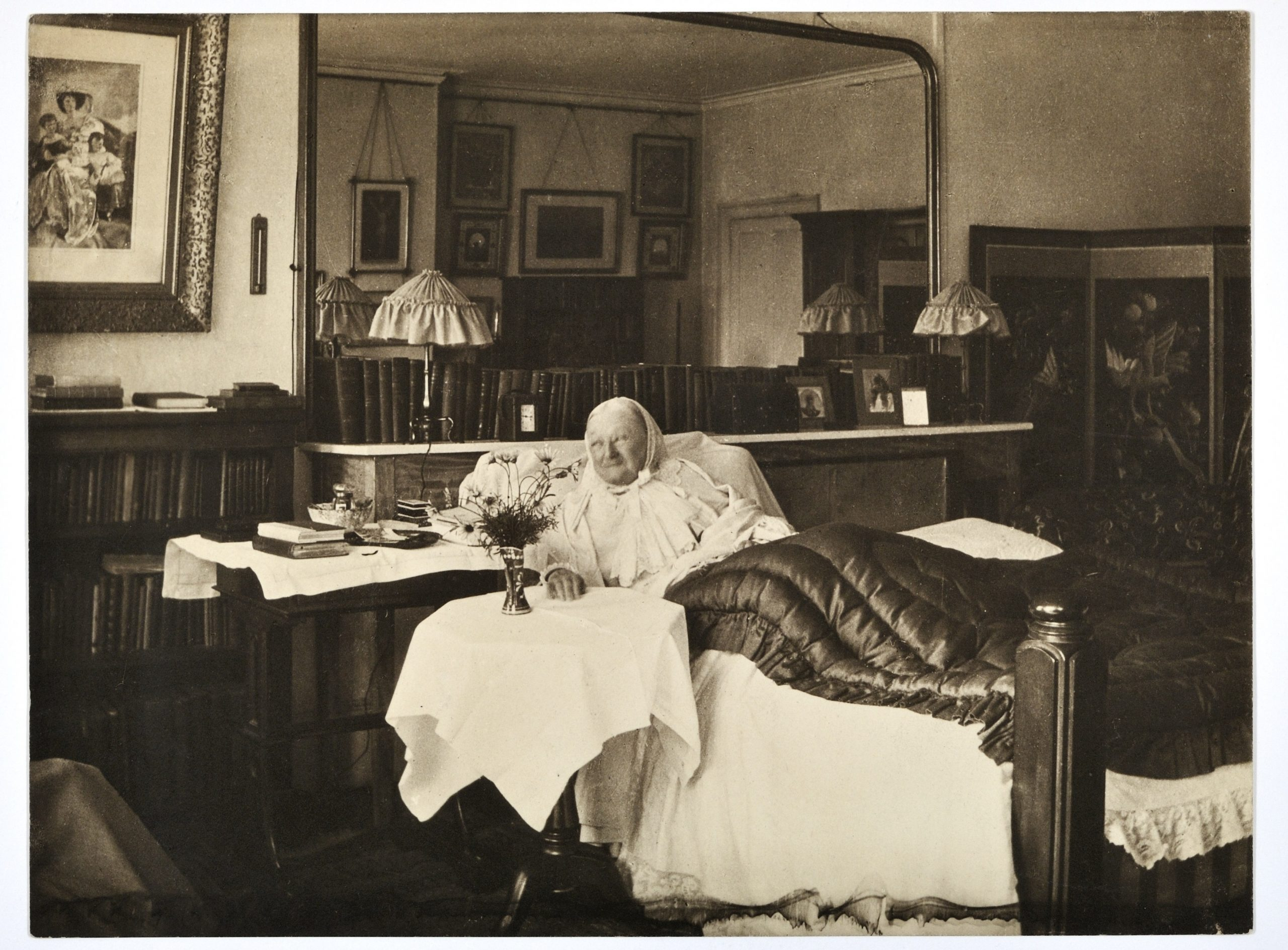 Florence Nightingale in bed at South Street in 1906, aged 86. Photographed by Elizabeth Bosanquet.